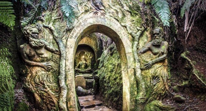 Paronella Park and William Ricketts Sanctuary in Australia
