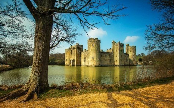 Discovering 13 old British castles in England :: Travel Blog