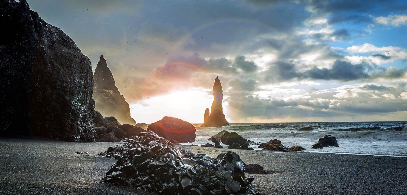 ultimate guide to black sand beach reynisfjara in iceland. Black Bedroom Furniture Sets. Home Design Ideas