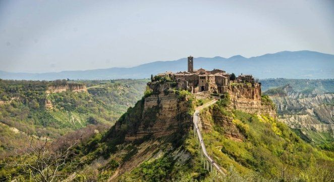 Discovering Civita di Bagnoregio, the dying city in Italy