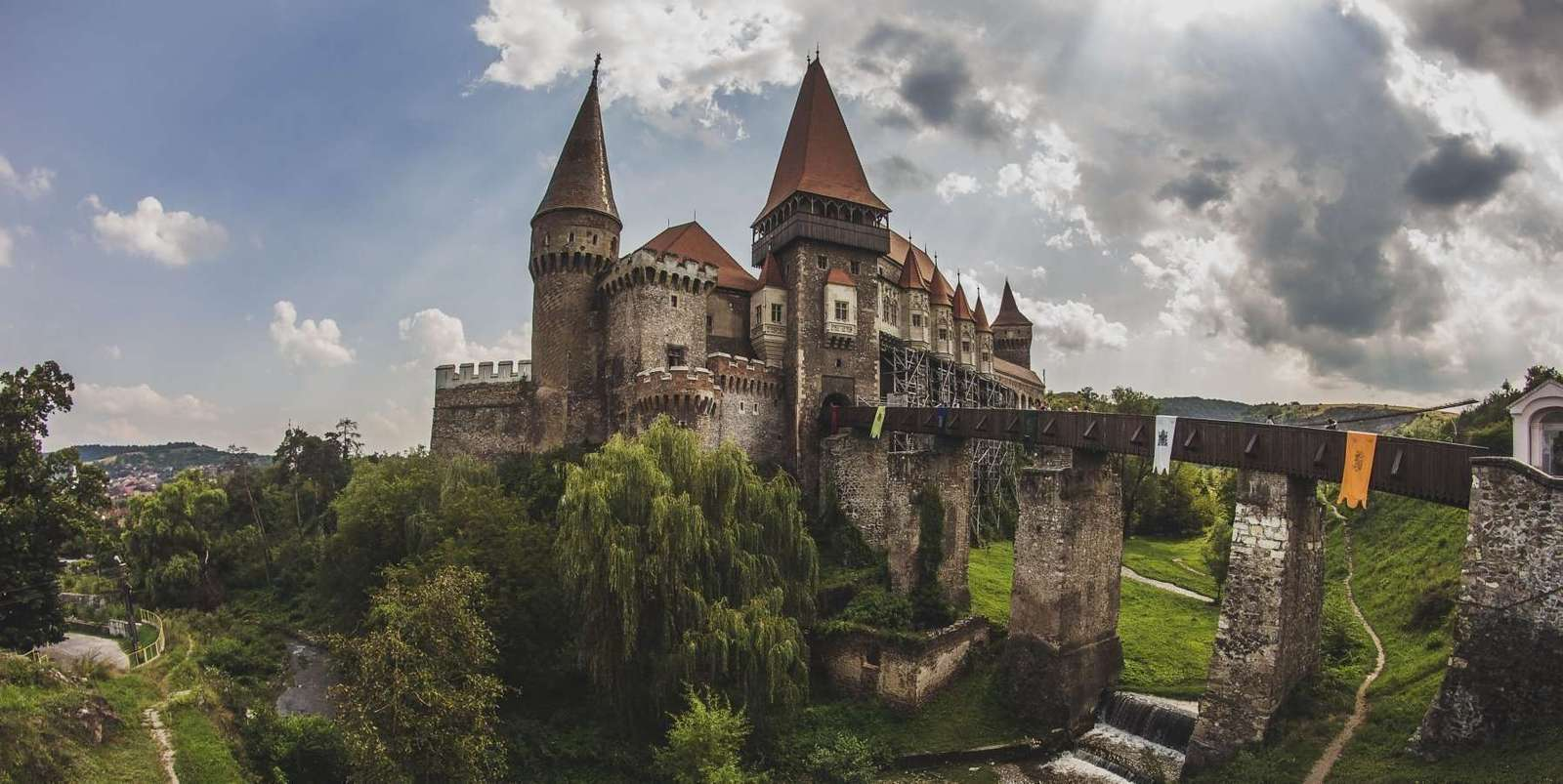 Corvin Castle, Hunedoara, Romania :: Travel blog