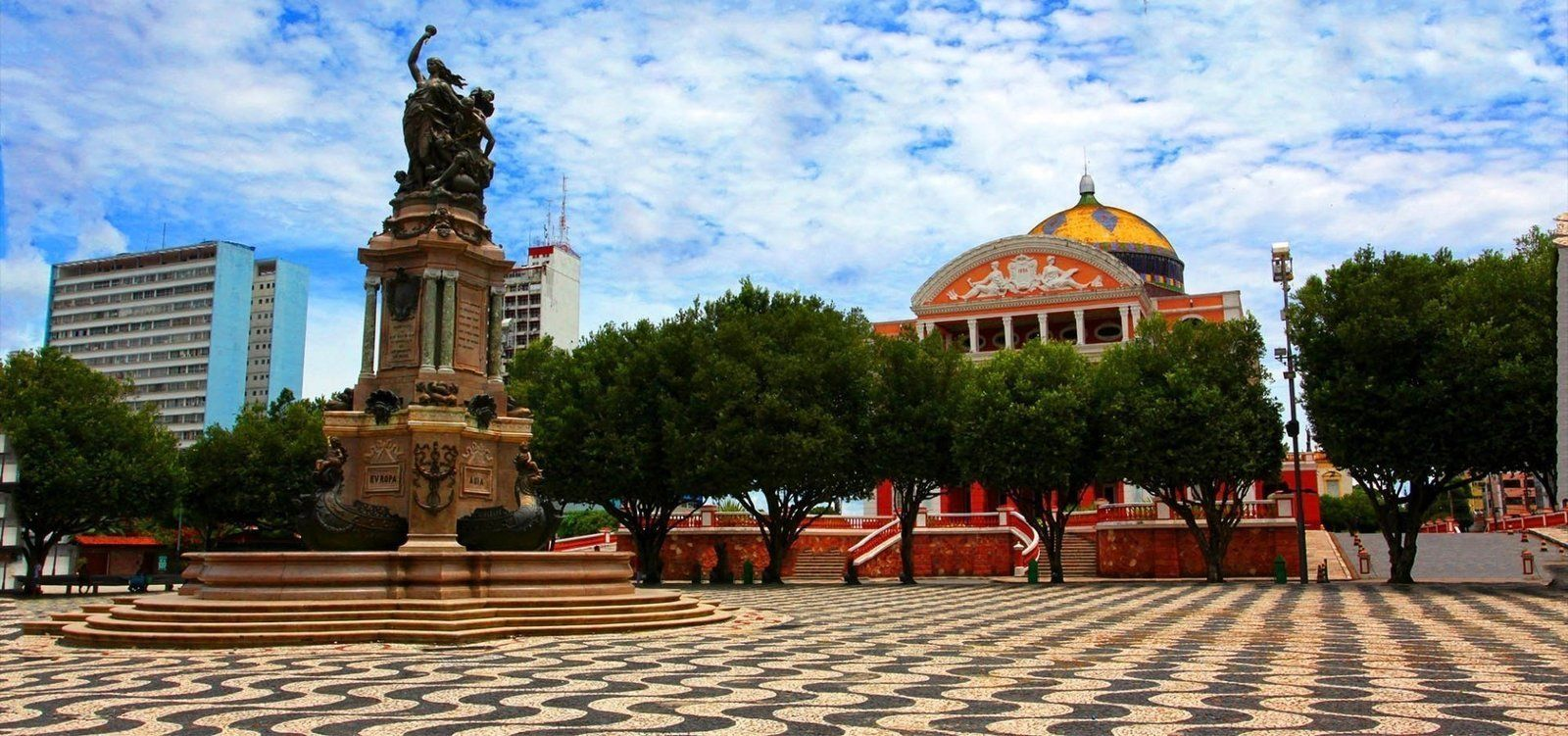 Travel Blog: Manaus, Amazon River and Jungle in Brazil
