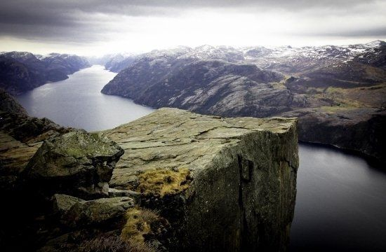Hiking Preikestolen Pulpit Rock in Norway :: Fshoq! Travel Blog