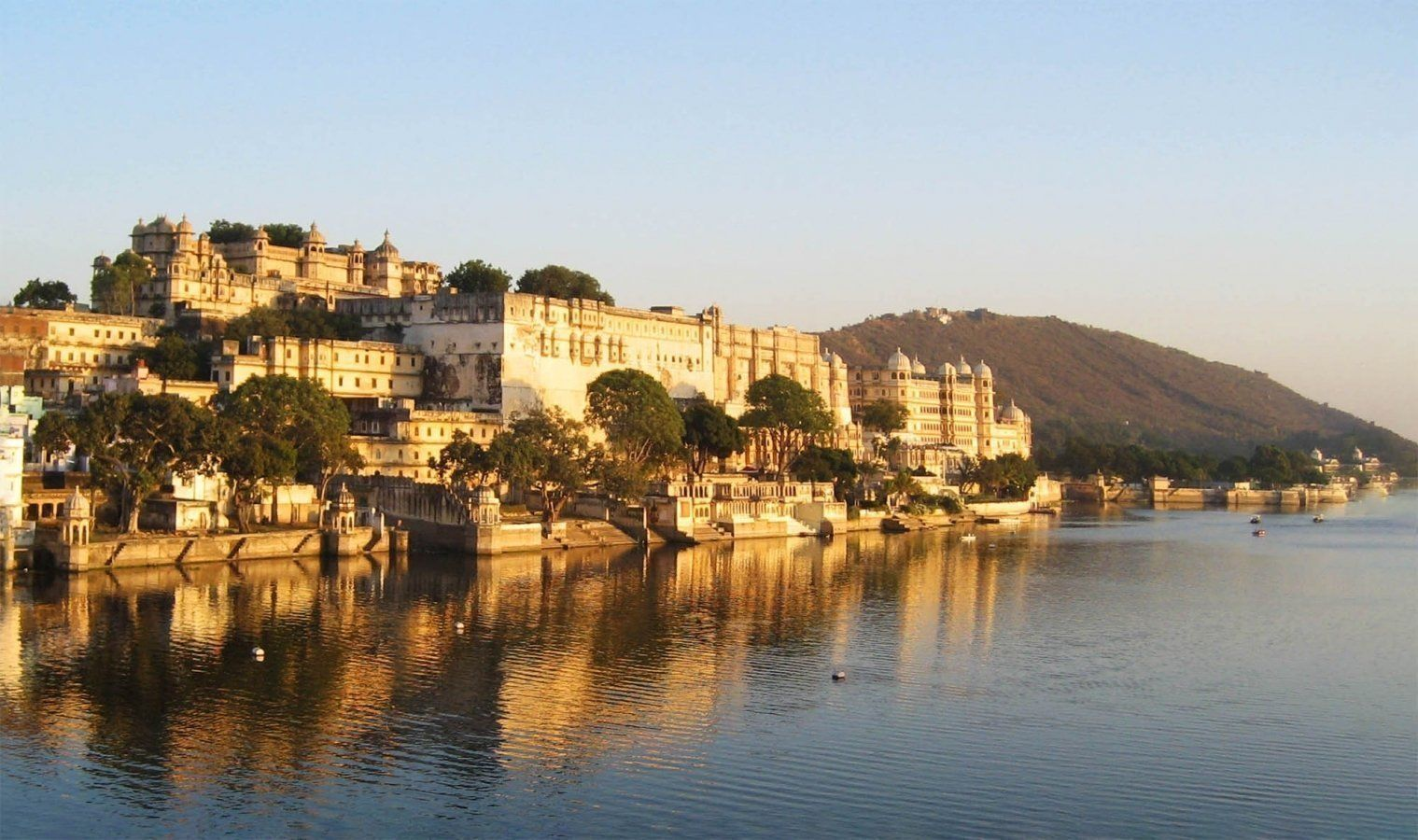 Udaipur in India: City among the lakes