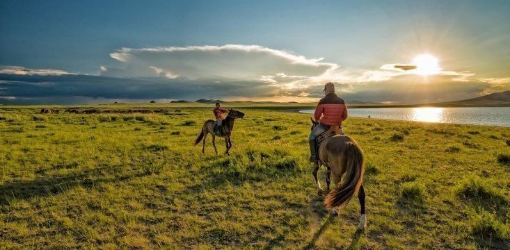 Visiting Wild Mongolia. Travel Guide, What to See :: Travel Blog