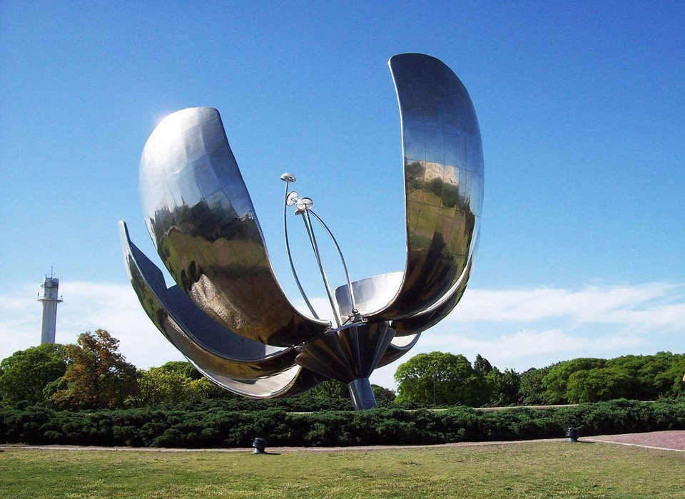 Floralis Generica (Mechanical Flower) in Buenos Aires