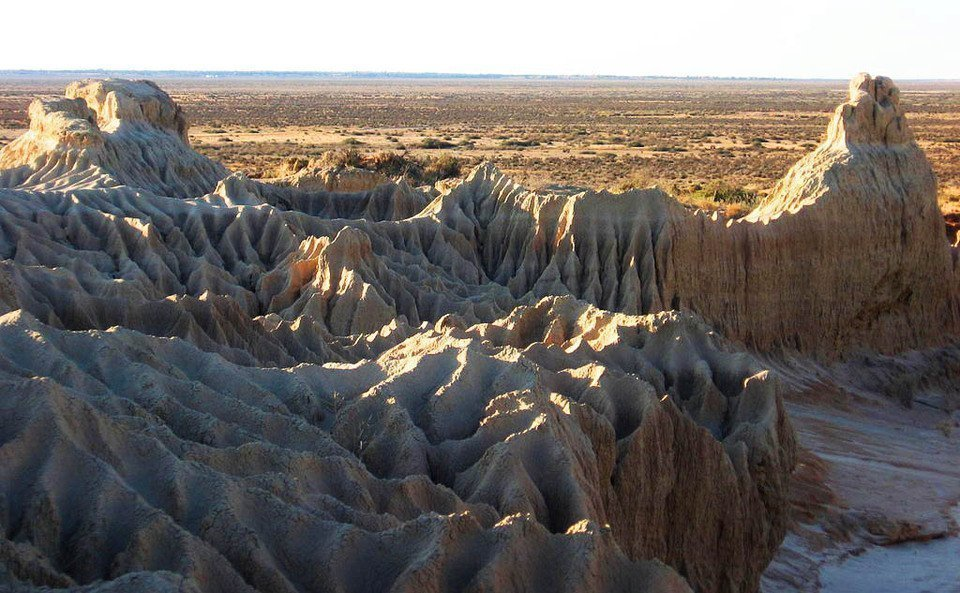 Great Walls of China in Mungo National Park, Australia