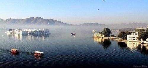 Lake Palace, Pichola lake